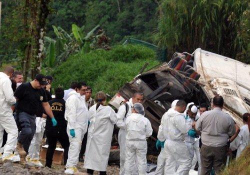 UNA rinde homenaje póstumo a jubilados fallecidos en Cinchona