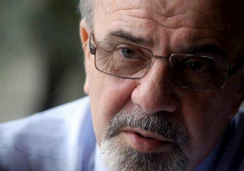 """""""El sistema político sigue jugando chapitas"""""""