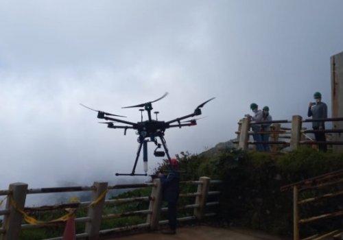 """Drone """"AKI"""" midió gases en laguna Botos del Poás"""