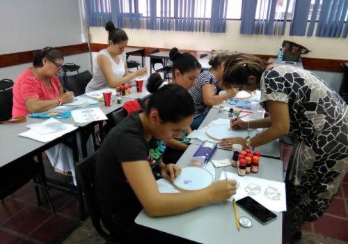 UNA invita a cursos participativos