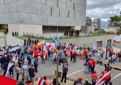 UNA dice NO a proyecto de ley de empleo público