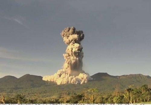Erupción en volcán Rincón de la Vieja