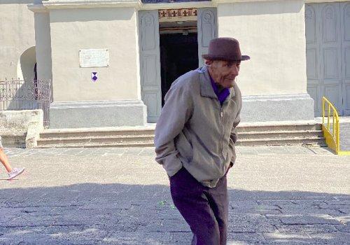 Ciudad de Heredia es poco amigable con el adulto mayor