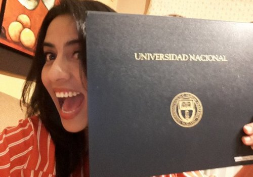 UNA otorga títulos de maestrías virtuales a estudiantes latinoamericanos