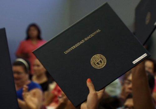 UNA aprueba política para vinculación con personas graduadas