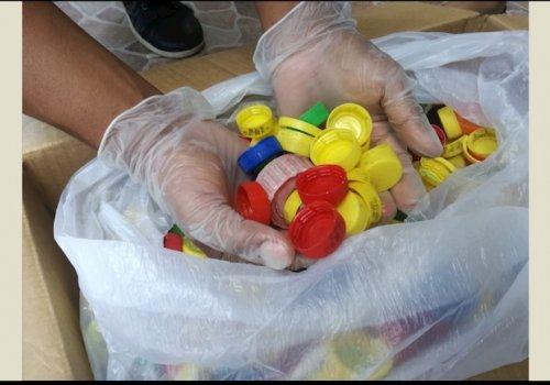 Voluntariado UNA se suma a recolección de tapas plásticas