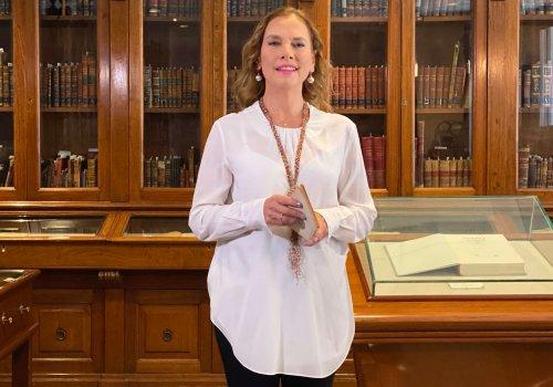 Reconocida académica mexicana recibe Medalla Universidad Nacional