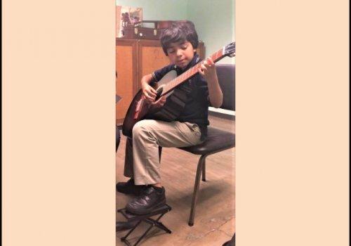 Pequeño gran guitarrista