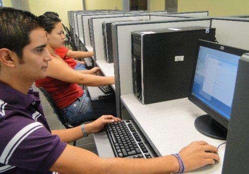 Covid -19: UNA amplía plazo para retiro justificado de cursos