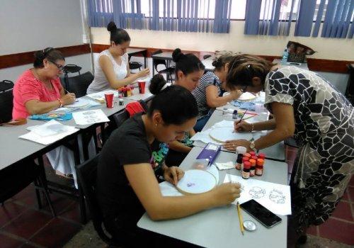 UNA ofrece cursos para todos los gustos y edades