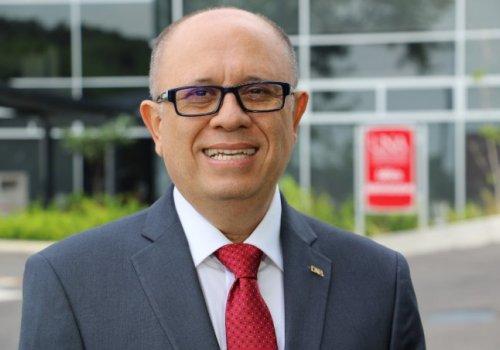 Francisco González es el nuevo rector de la UNA