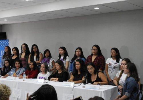 """Universitarias exigen """"alto"""" a violencia sexual"""