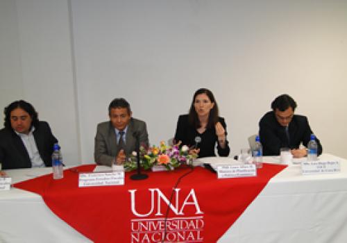 Academia genera debate sobre reforma fiscal