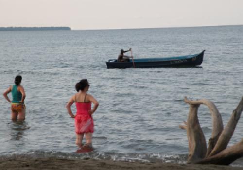 Estudian corrientes de resaca y otros peligros en playas ticas