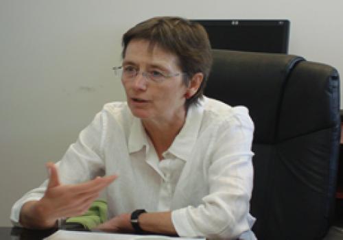 Maestra de las relaciones internacionales