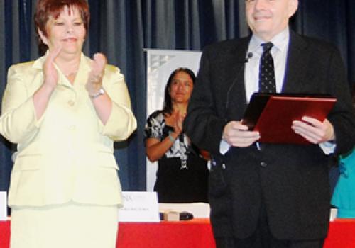 Doctorado Honoris Causa a pionero en medicina regenerativa