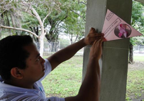 Campus Liberia de rosa por la vida