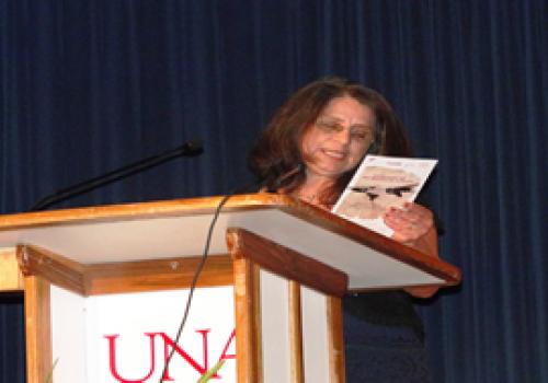 Homenaje a Debravo en Día Mundial de la Poesía